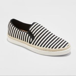 a new day Cream/Black Stripe Lily Canvas Sneakers